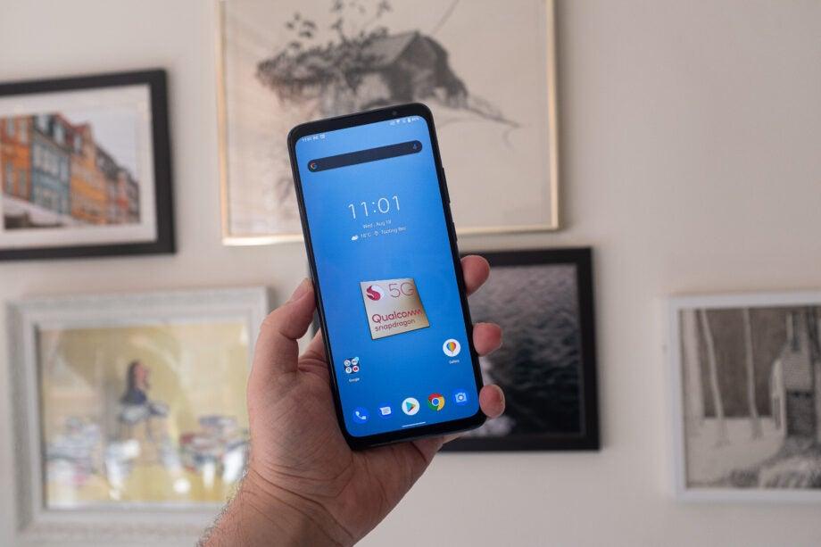 Snapdragon Phone home screen 888