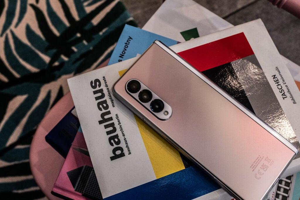 Samsung Galaxy Z plegable hacia atrás 3
