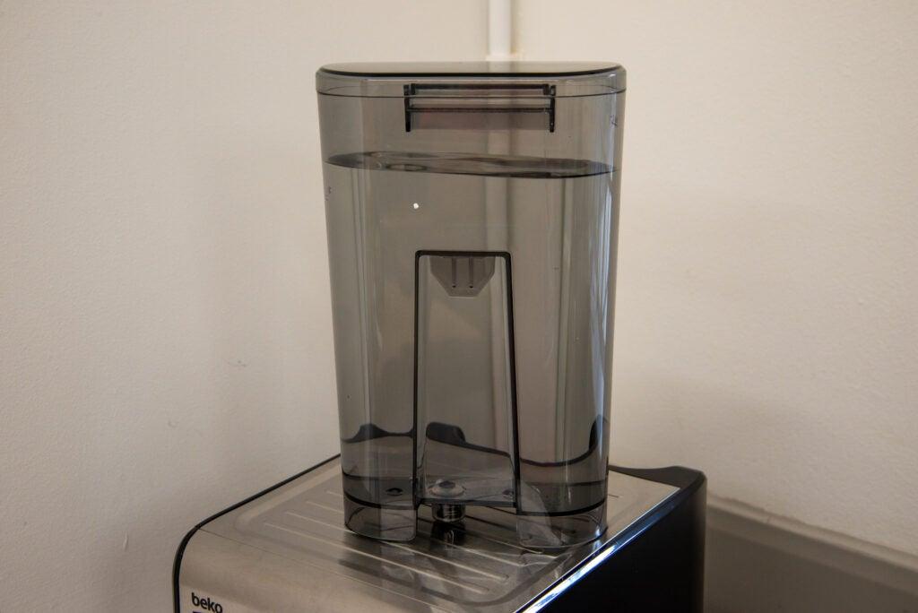 Beko Espresso Coffee Machine CEP5152 tank