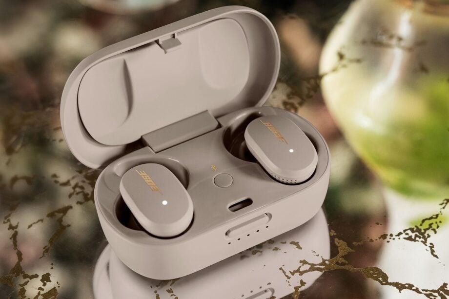 Bose QC earbuds Sandstone