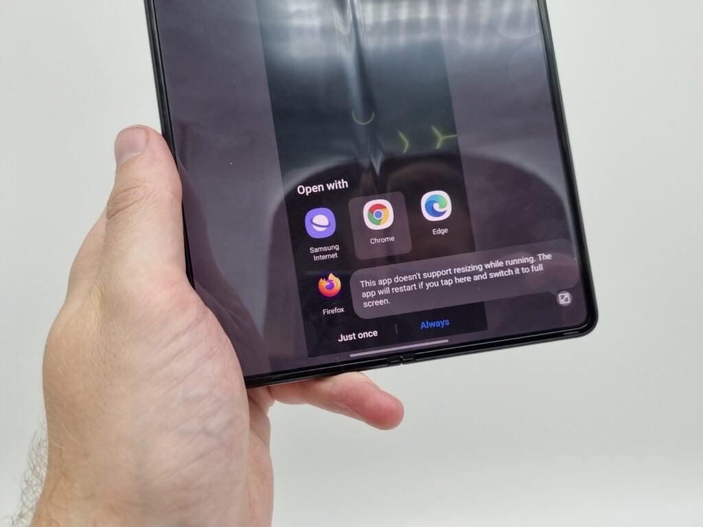 Galaxy Z Fold 3 app issues