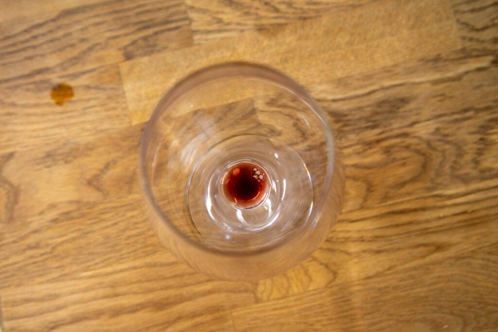 Miele G 7160 SCVi AutoDos dirty wine glass