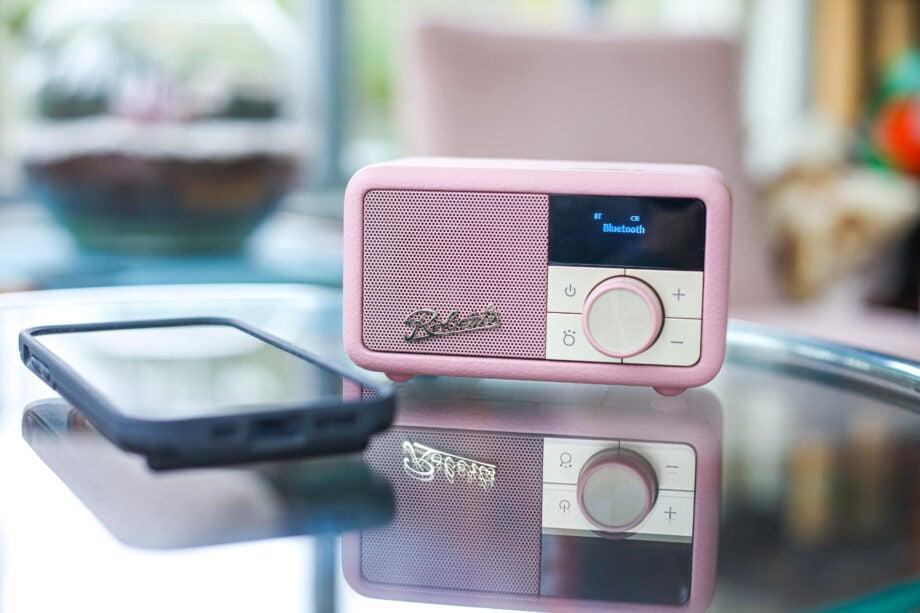 Roberts Radio Revival Petite pink