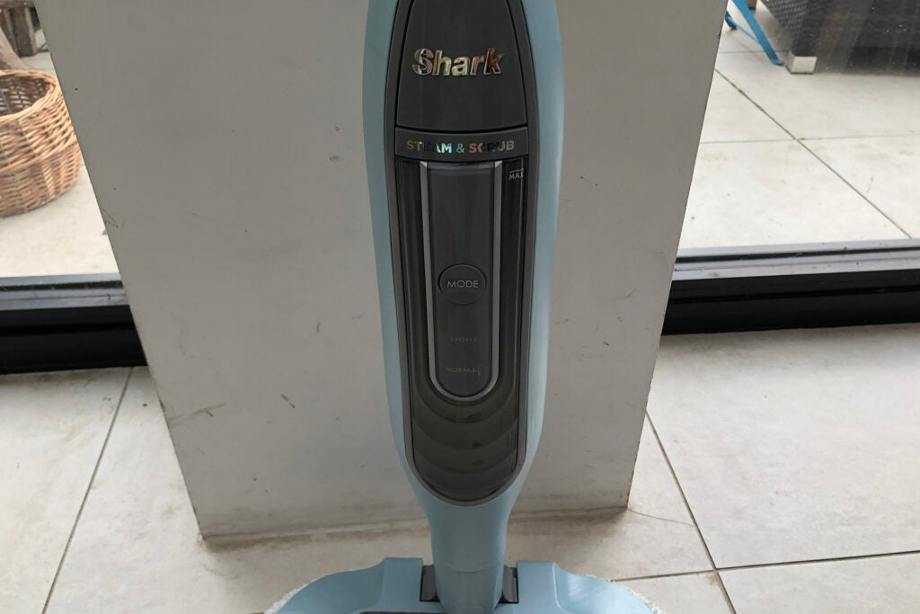 Shark Steam & Scrub Automatic Steam Mop S6002UK power controls
