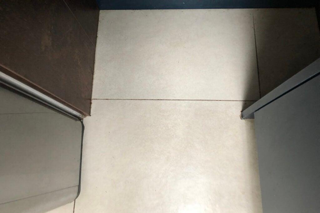 Shark Steam & Scrub Automatic Steam Mop S6002UK clean hard floor tough stains
