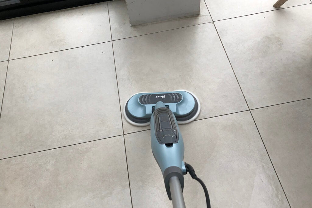 Shark Steam & Scrub Automatic Steam Mop S6002UK cleaning