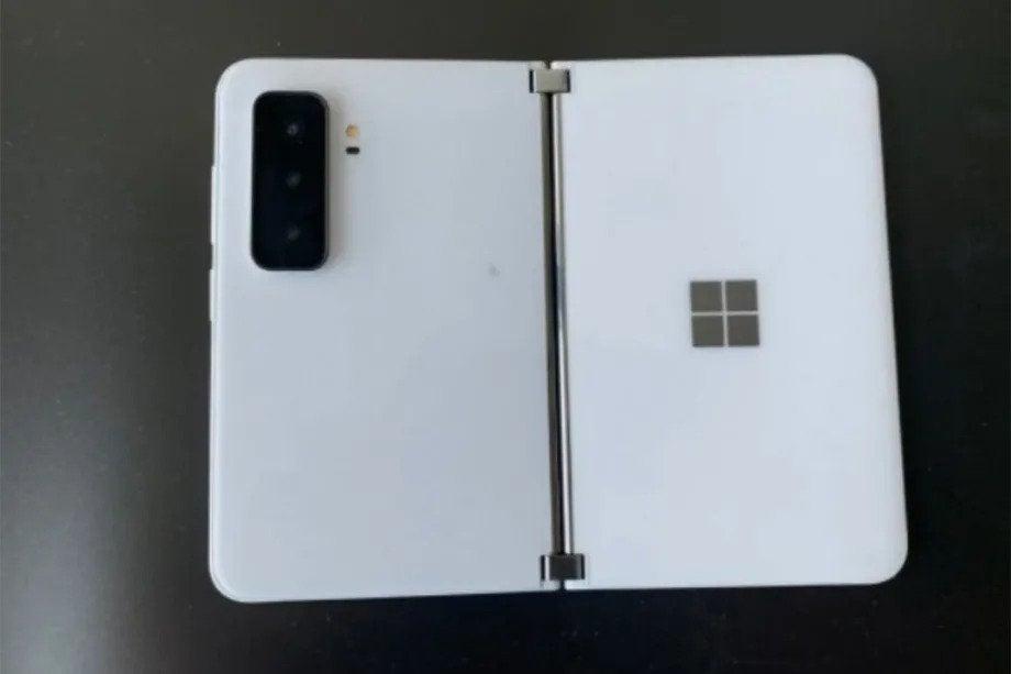 Surface Duo 2 imágenes filtradas 2