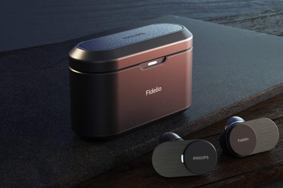 Philips Fidelio T1 black with case