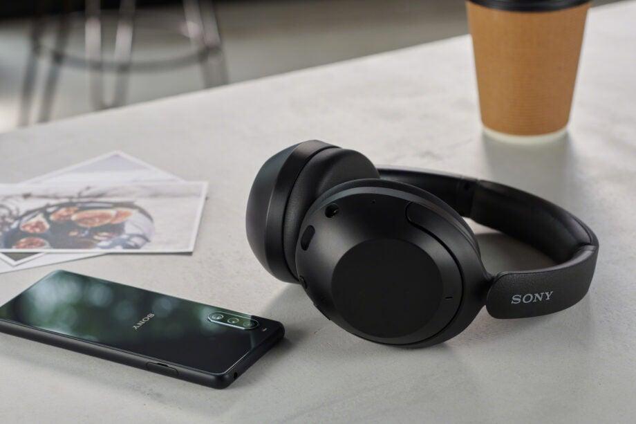 Sony WH-XB910N in Black