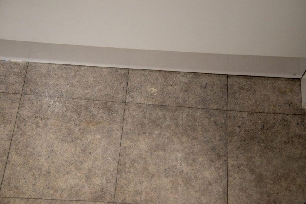 Yeedi Vac Station clean edge