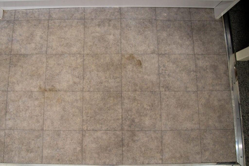 Yeedi Vac Station muddy floor after cleaning