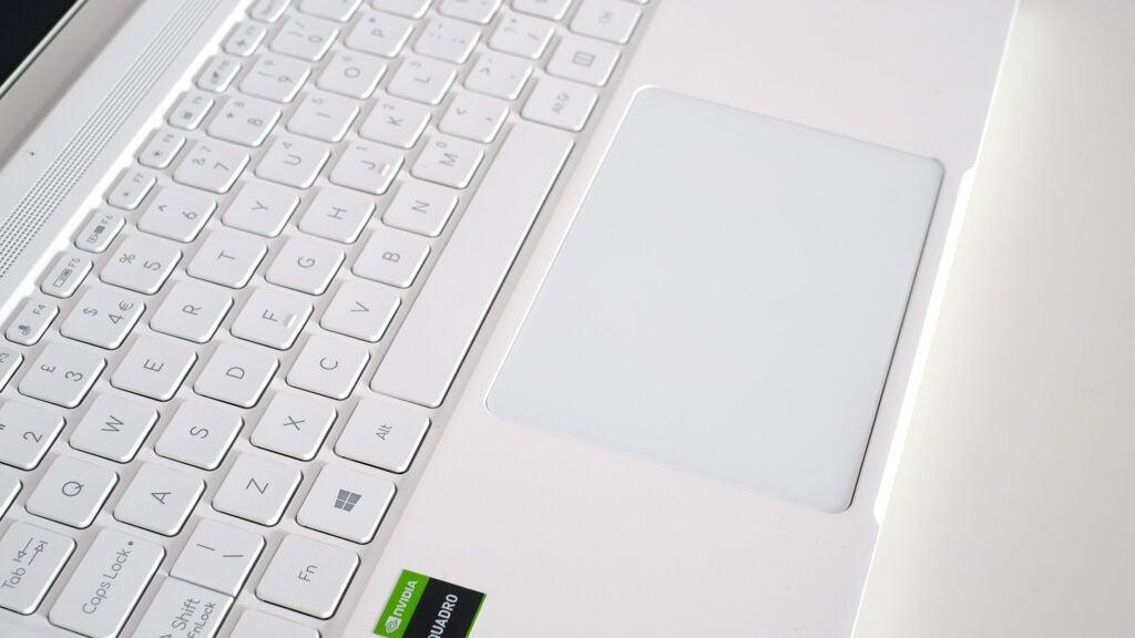 Acer ConceptD 3 Ezel Pro trackpad