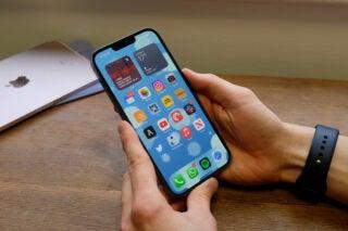 iphone 13 pro max homescreen