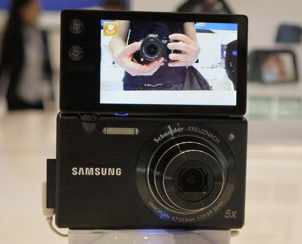 Samsung MV800 Multiview 2
